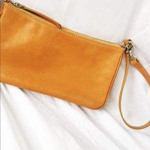 BANANA REPUBLIC Leather Wristlet